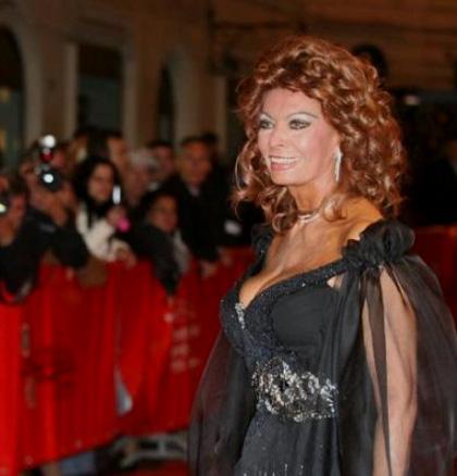 Sophia loren premiata alla festa di roma for Diva sofia streaming