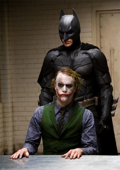 Attesi supereroi -  Dall'articolo: Prossimamente al cinema: Il ritorno del cavaliere oscuro.