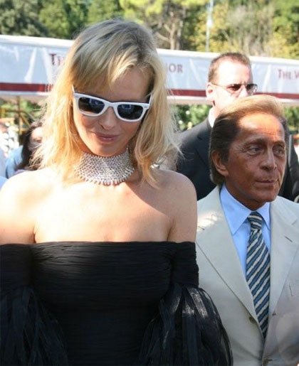 Valentino e la Herzigova sfilano a Venezia