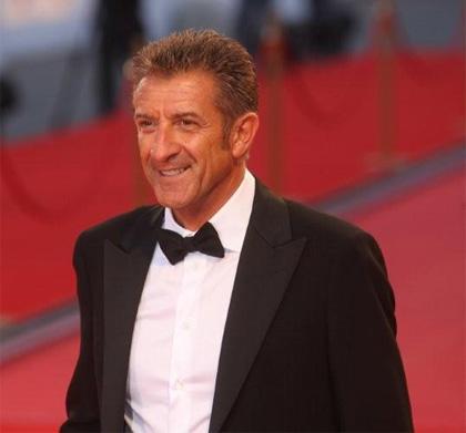 In foto Ezio Greggio (67 anni) Dall'articolo: Il papà di Giovanna: un film che arriva al cuore.