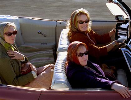 In foto Jessica Lange (71 anni) Dall'articolo: Quel che resta di mio marito: on the road dell'anima (e del dolore).
