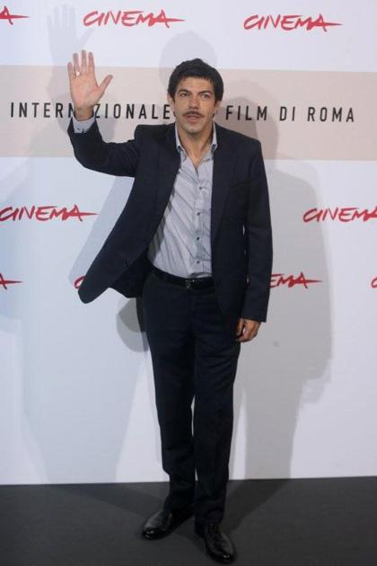 In foto Pierfrancesco Favino (51 anni) Dall'articolo: Monica Bellucci a Roma per L'uomo che ama.