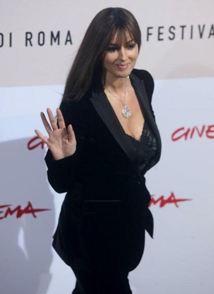In foto Monica Bellucci (56 anni) Dall'articolo: Monica Bellucci a Roma per L'uomo che ama.