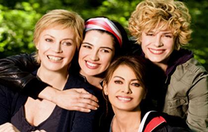 In foto Margherita Buy (59 anni) Dall'articolo: Amiche mie, la versione italiana di Sex and the City stasera su Canale 5.