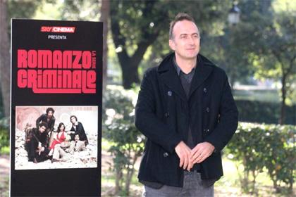 In foto Stefano Sollima (55 anni) Dall'articolo: Romanzo criminale approda in tv.