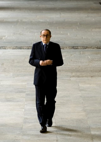 In foto Toni Servillo (60 anni) Dall'articolo: Esce il Farinotti 2009: il primo, il più completo, il più economico.