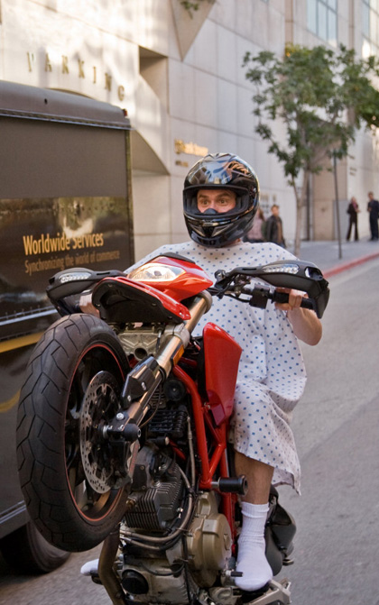 In foto Jim Carrey (59 anni) Dall'articolo: Yes Man: prime immagini.
