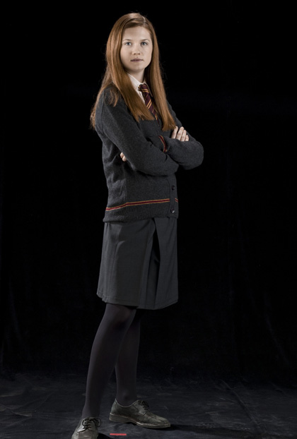 In foto Bonnie Wright (27 anni) Dall'articolo: Harry Potter e il principe mezzosangue: altre foto ufficiali del cast.