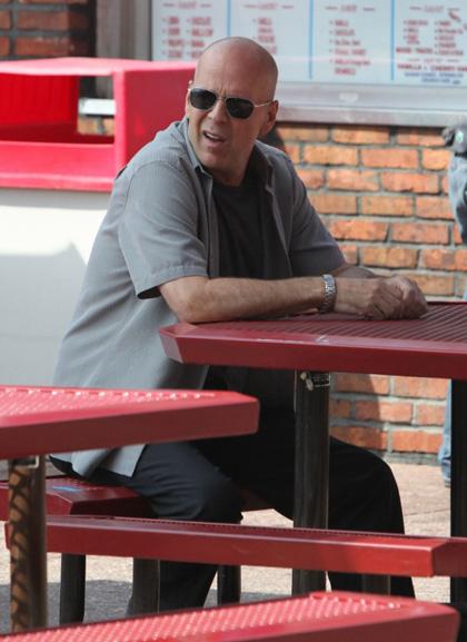 In foto Bruce Willis (64 anni) Dall'articolo: A Couple of Dicks: si aggiungono Michelle Trachtenberg e Jason Lee.