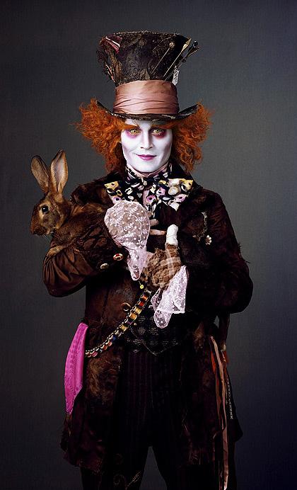 In foto Johnny Depp (58 anni) Dall'articolo: Alice in Wonderland: nuove immagini dei protagonisti.