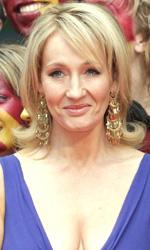In foto J.K. Rowling (53 anni) Dall'articolo: Harry Potter e il principe mezzosangue: il red carpet della premiere londinese.