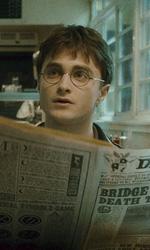 In foto Daniel Radcliffe (29 anni) Dall'articolo: Harry Potter e il principe mezzosangue: battuto il record del cavaliere oscuro.
