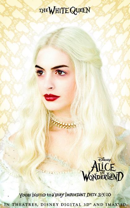 In foto Anne Hathaway (39 anni) Dall'articolo: Alice in Wonderland: primi poster.