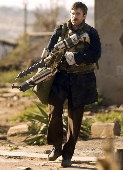 In foto Sharlto Copley (47 anni) Dall'articolo: District 9: l'arma aliena dell'agente Wikus.