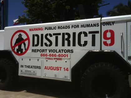 La fiancata -  Dall'articolo: District 9: il camion della MNU.