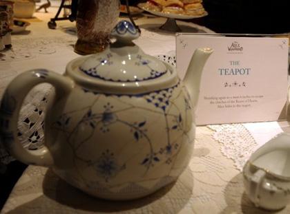 La tazza da tè -  Dall'articolo: Alice in Wonderland: il tè party al Comic-Con.