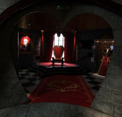 L'entrata alla stanza della Regina di Cuori -  Dall'articolo: Alice in Wonderland: il tè party al Comic-Con.