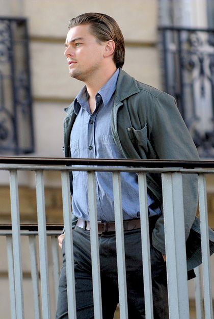 In foto Leonardo DiCaprio (46 anni) Dall'articolo: Inception: le immagini dal set di DiCaprio.