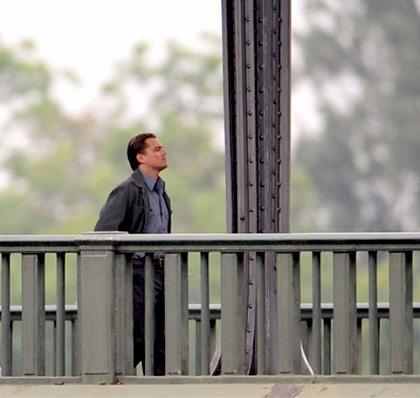 In foto Leonardo DiCaprio (44 anni) Dall'articolo: Inception: le immagini dal set di DiCaprio.