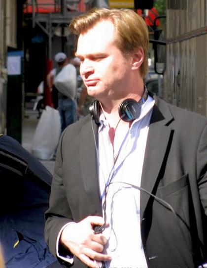 In foto Christopher Nolan (51 anni) Dall'articolo: Inception: rivelata la possibile descrizione del trailer.