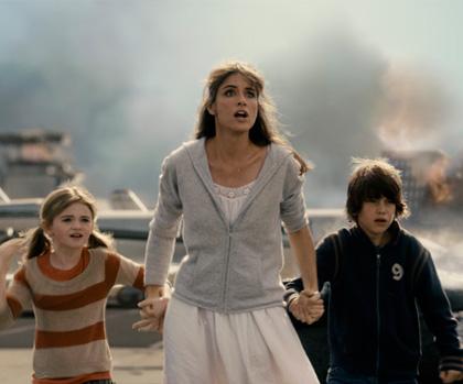 In foto Amanda Peet (46 anni) Dall'articolo: 2012: altre immagini della campagna virale.