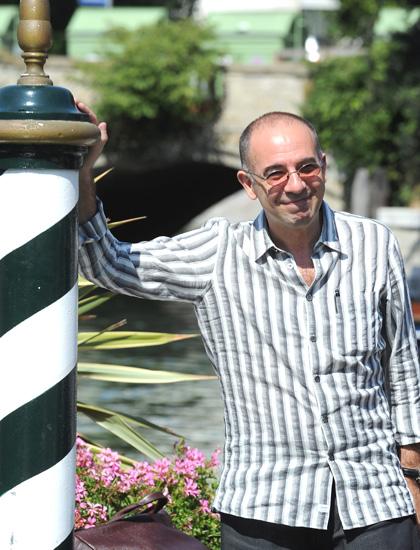 In foto Giuseppe Tornatore (63 anni) Dall'articolo: Festival di Venezia: Giuseppe Tornatore sbarca al lido.