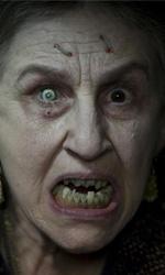 In foto Lorna Raver Dall'articolo: Drag Me To Hell: l'horror è servito su un letto di risate.