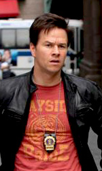The Other Guys: prime immagini di Will Ferrell e Mark Wahlberg - Terry Hoitz