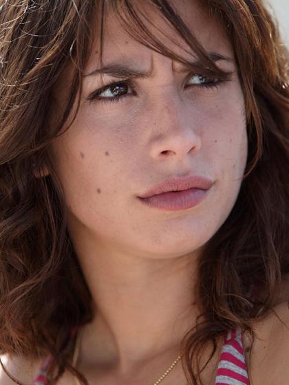In foto Giulia Michelini (34 anni) Dall'articolo: Cado dalle Nubi: la fotogallery.
