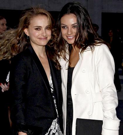 In foto Natalie Portman (38 anni) Dall'articolo: Black Swan: Cassel, Ryder e la Hershey nel dramma sovrannaturale sul balletto.
