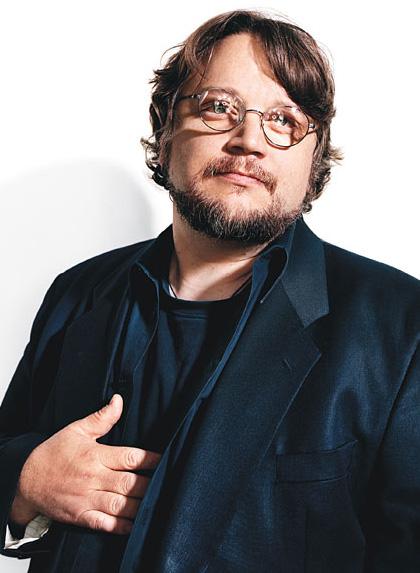 In foto Guillermo Del Toro (56 anni) Dall'articolo: The Hobbit: Smaug sarà diverso da qualsiasi altro drago mai visto.
