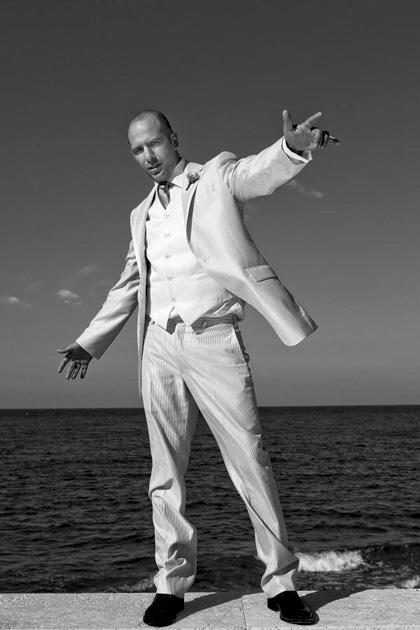 In foto Checco Zalone (44 anni) Dall'articolo: Cado dalle nubi: Borat delle Puglie.
