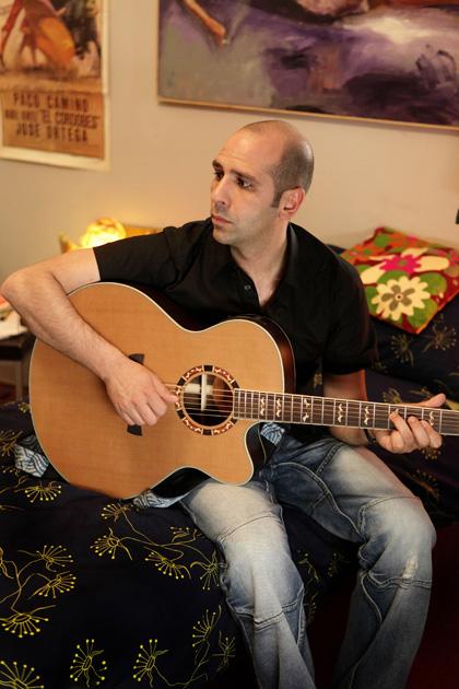 In foto Checco Zalone (42 anni) Dall'articolo: Checco Zalone: niente di nuovo ma nuovo.