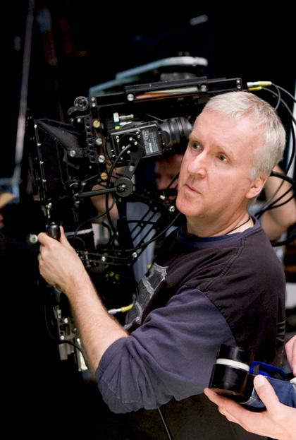 In foto James Cameron (65 anni) Dall'articolo: Avatar è il film dell'anno per la  New York Film Critics Online.