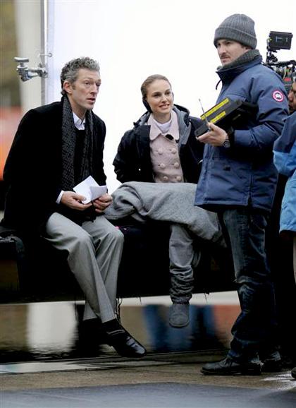 In foto Vincent Cassel (53 anni) Dall'articolo: Black Swan: le foto sul set di Cassell e della Portman.