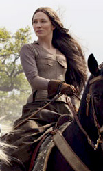 Robin Hood: trailer internazionale e le immagini ufficiali di Crowe e della Blachett