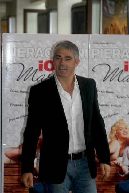 In foto Biagio Izzo (56 anni) Dall'articolo: Io e Marilyn: a qualcuno piace bionda (e irreale).
