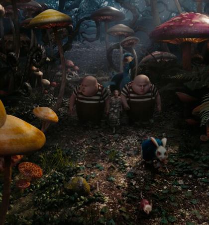 In foto Michael Sheen (50 anni) Dall'articolo: Alice in Wonderland: le immagini e il secondo trailer ufficiale.
