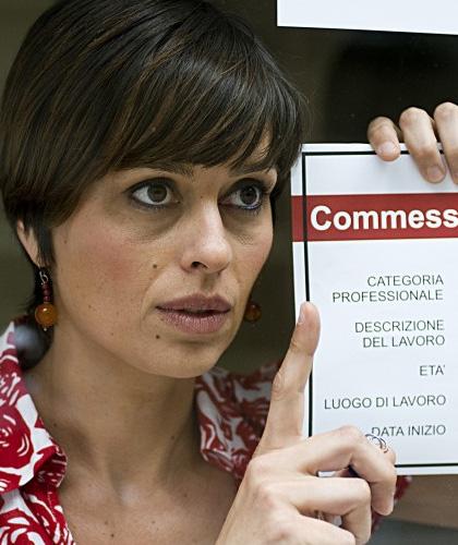 In foto Claudia Pandolfi (46 anni) Dall'articolo: La prima cosa bella: la fotogallery.