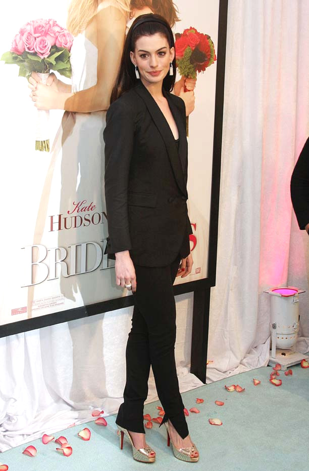 In foto Anne Hathaway (37 anni) Dall'articolo: Bride Wars: la fotogallery della premiere a New York.