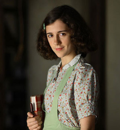 In foto Ellie Kendrick (30 anni) Dall'articolo: Stasera in Tv: Il Cinema e il Giorno della Memoria.