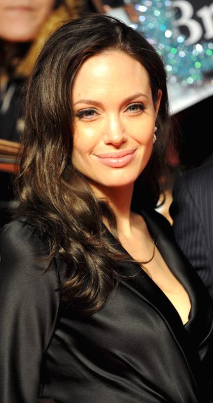 In foto Angelina Jolie (45 anni) Dall'articolo: Il curioso caso di Benjamin Button, premiere a Tokyo.