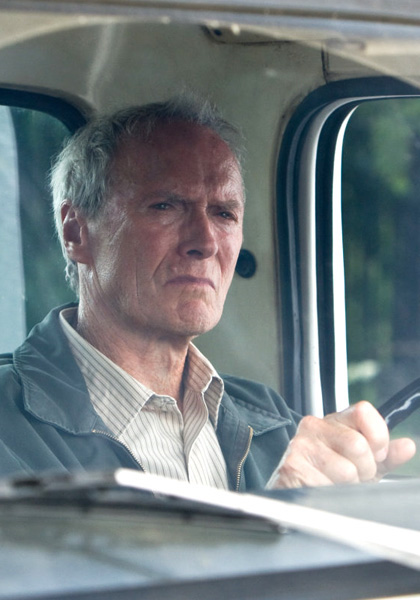 In foto Clint Eastwood (90 anni) Dall'articolo: Film nelle sale: Una Gran Torino per il Nemico Pubblico N.1, attraversando il Frozen River.
