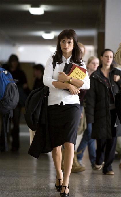In foto Penélope Cruz (44 anni) Dall'articolo: Lezioni d'amore: il professore di desiderio.