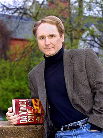 In foto Dan Brown (55 anni) Dall'articolo: Angeli e demoni, il libro.