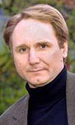 In foto Dan Brown (56 anni) Dall'articolo: Angeli e demoni, il libro.