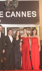 Ne te Retourne Pas: il red carpet - Il cast del film