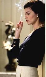 Coco avant Chanel: una donna controcorrente - Tornando al personaggio, Audrey, sembra proprio che Coco Chanel quasi recitasse la sua vita con la sua abitudine di mentire e nascondere il suo passato, quindi di fatto ti sei trovata ad interpretare un'attrice. Come hai gestito la cosa?