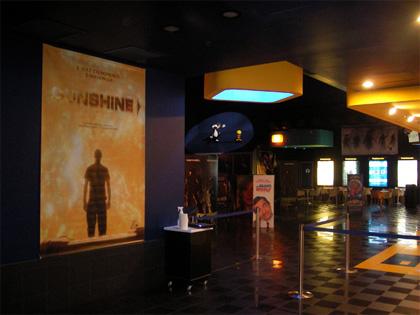 Uci cinemas ha acquisito il warner village di firenze - Ugc porta di roma programmazione ...