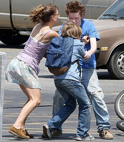 In foto Devin Brochu Dall'articolo: Hesher: le foto dal set di Natalie Portman e Joseph Gordon-Levitt.